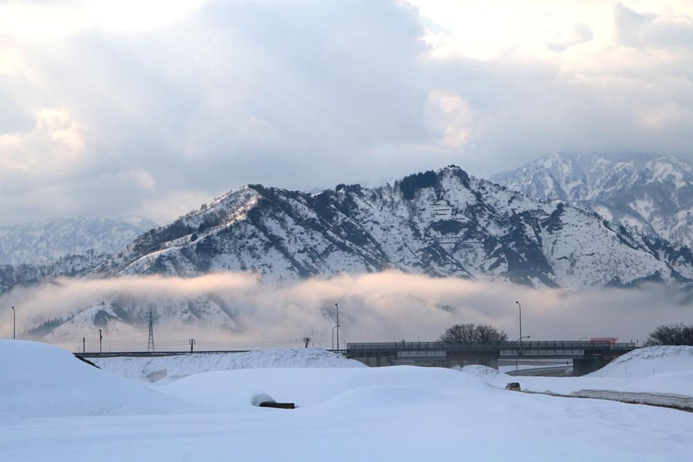 2017.3.28 tue. 野田・欠之上地区付近からの坂戸山やや雲海 BY AKANE-DESIGN