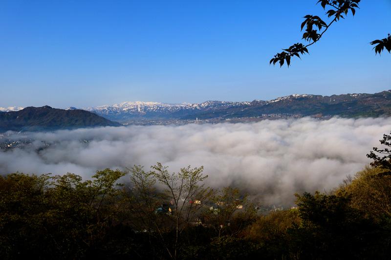 2017.4.30 sun. 六万騎山より坂戸山雲海を望む AKANE-DESIGN初。