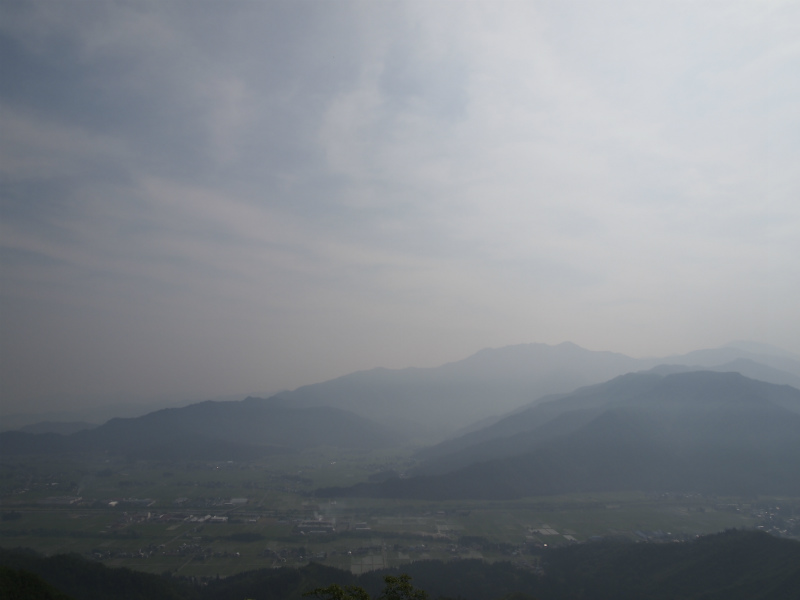 2017.6.24 sat. 視界イマイチ 霞む魚沼盆地