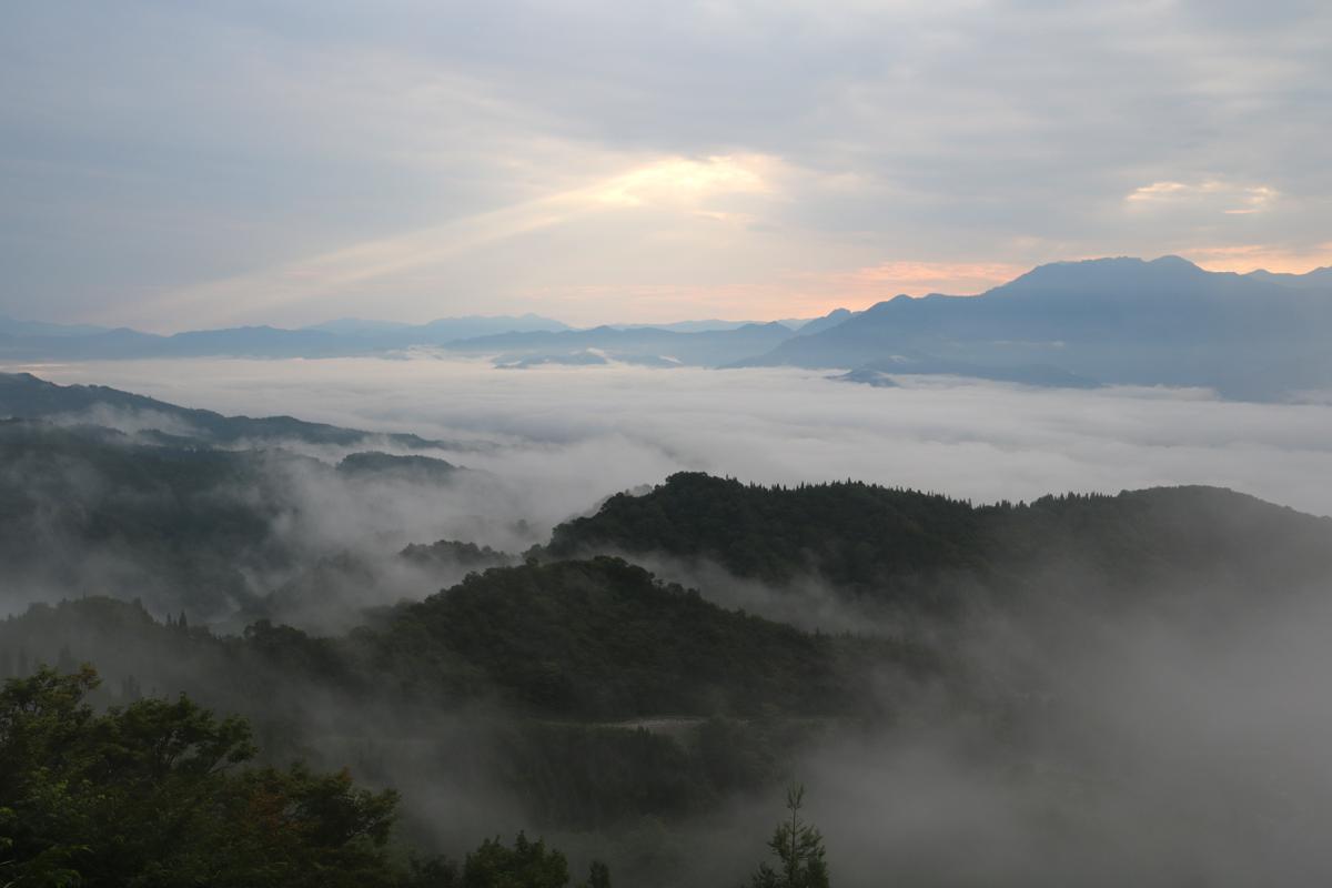 2019.8.30 fri. 久々の魚沼スカイラインからの雲海!|BY AKANEDESIGN